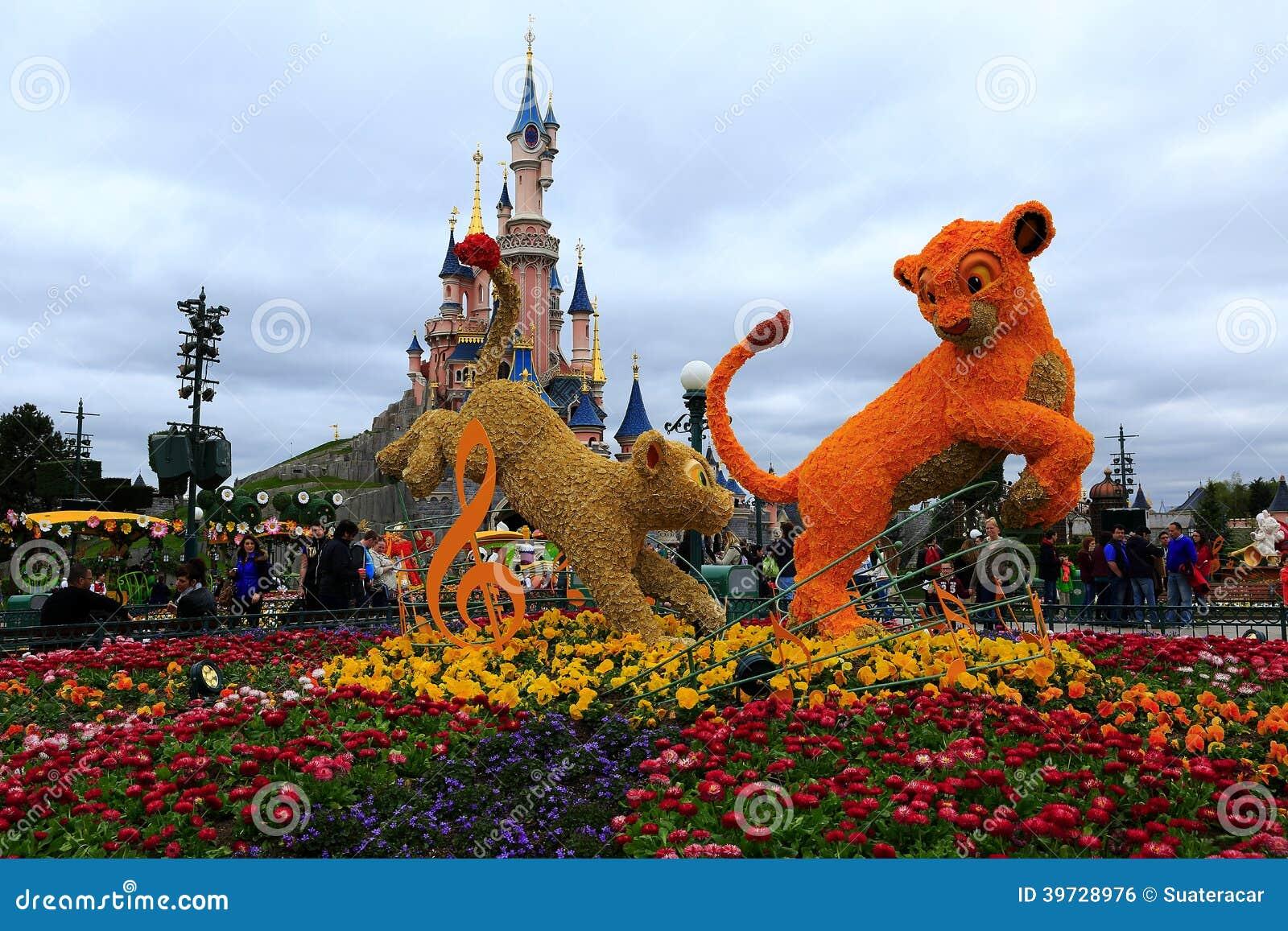 Disneyland paris photo ditorial image 39728976 for Jardines en primavera fotos