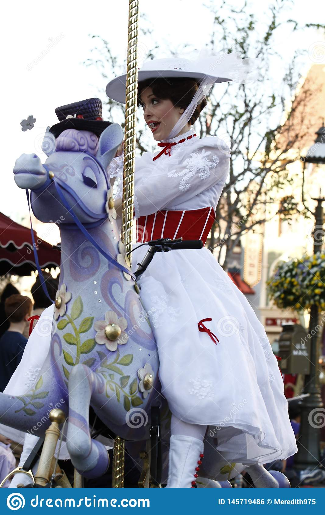 Disneyland ståtar Mary Poppins