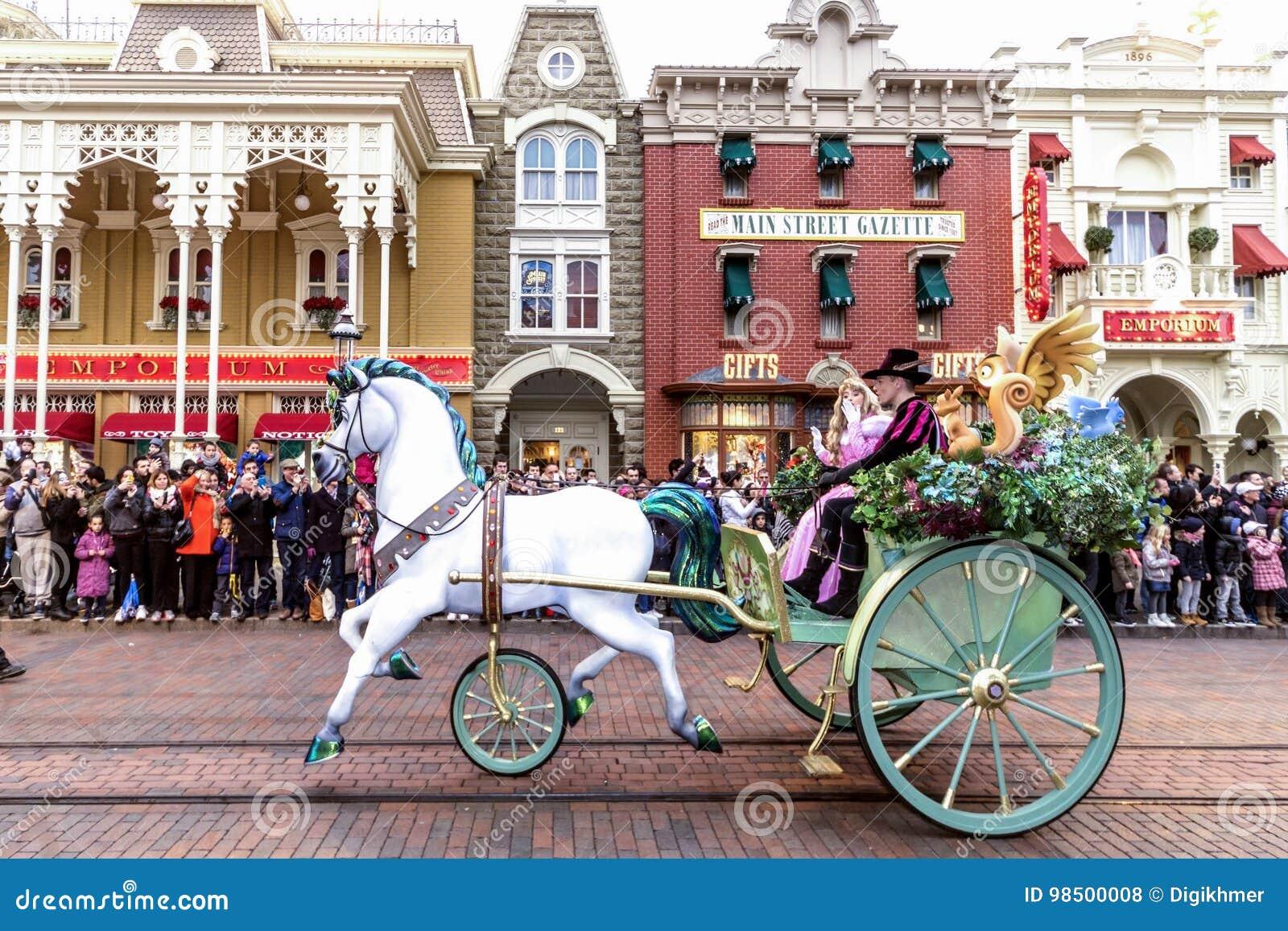 Disneyland ståtar paris