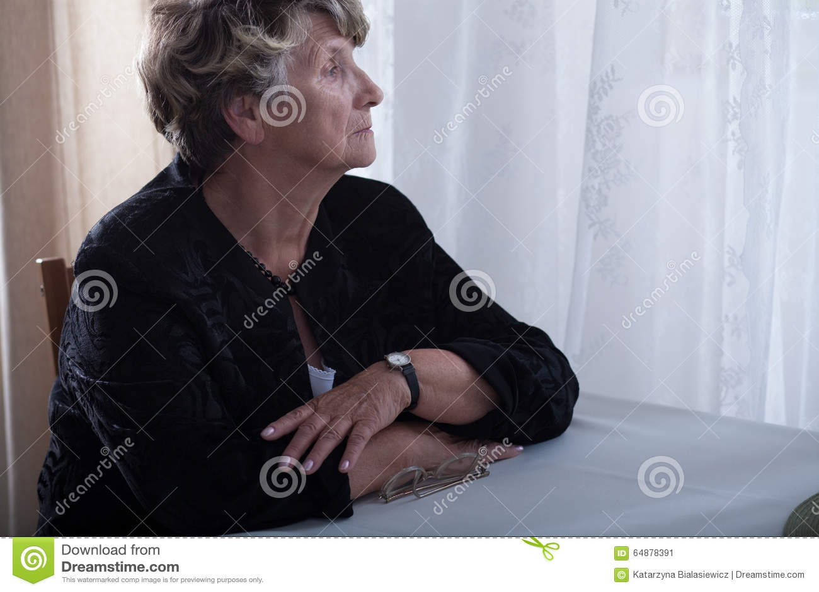 Disparus seuls pluss âgé de veuve