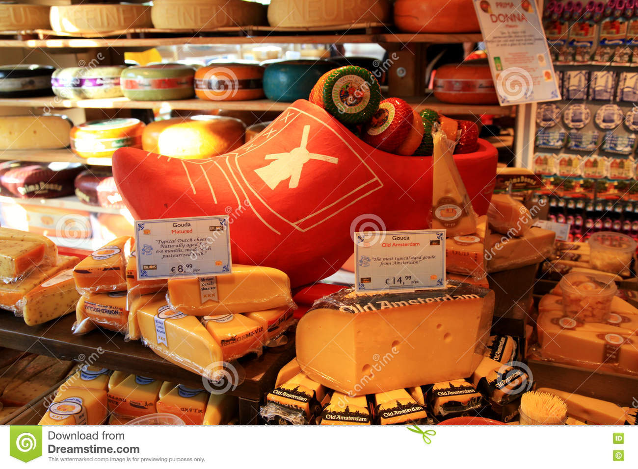 Edam Netherlands Map%0A Display of traditional Dutch cheese  Amsterdam  the Netherlands