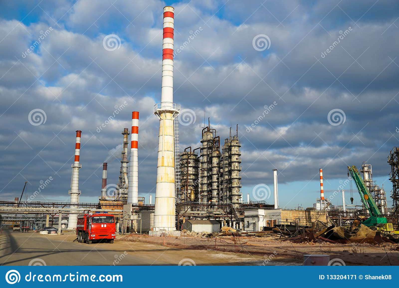 Disposal of the technological installation for the manufacture of light oil products at a refinery in Russia