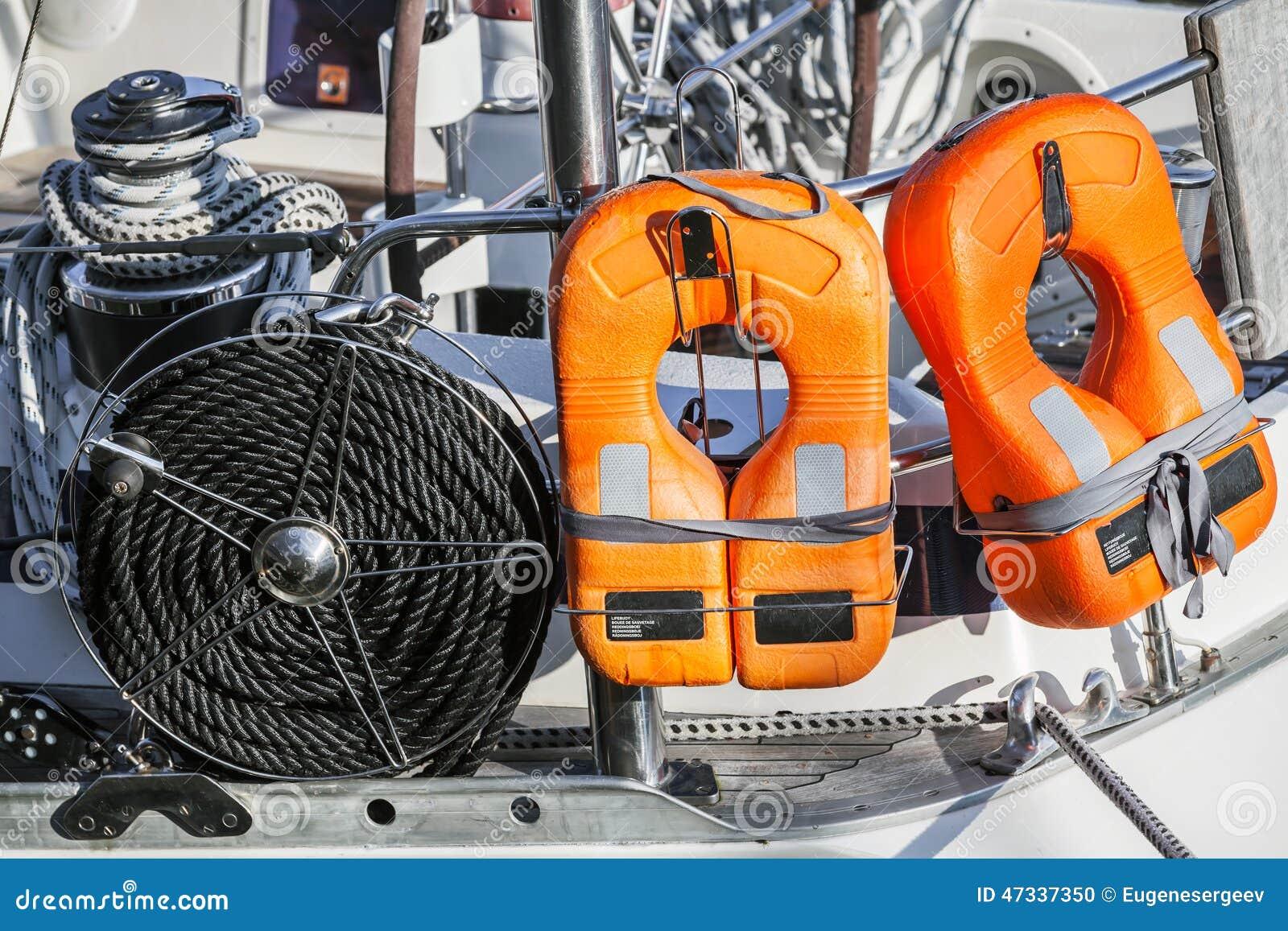 Dispositif de protection de yacht moderne