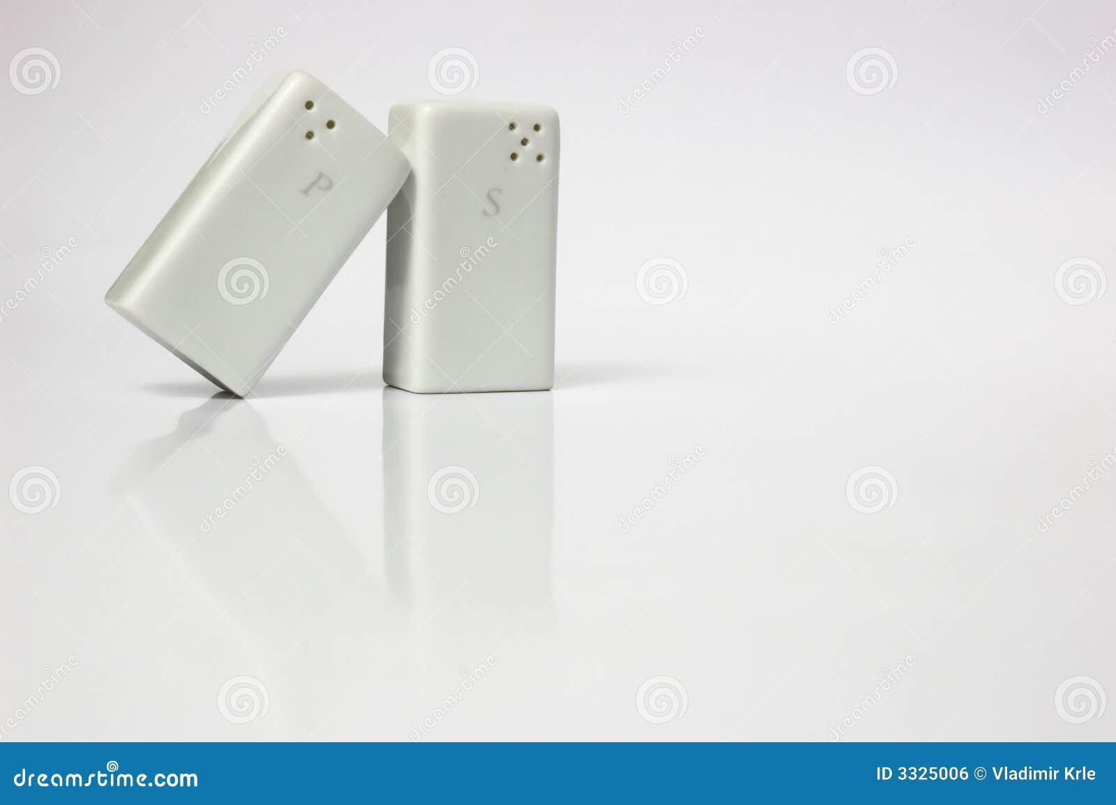 Dispositif trembleur de sel et de poivre