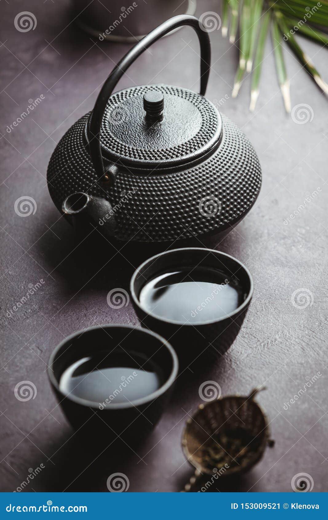 Disposition asiatique traditionnelle de cérémonie de thé, vue supérieure