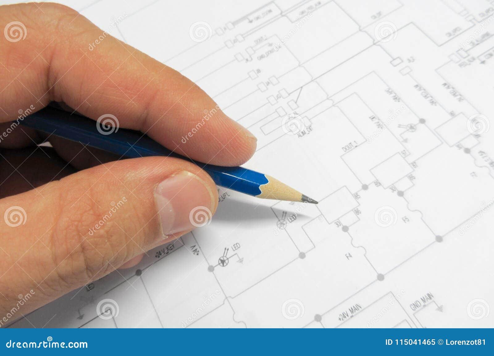 Dispositivi elettronici difficili con gli schemi elettrici