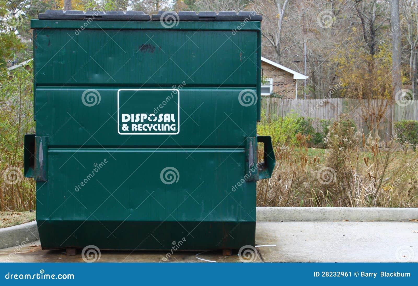 Disposizione e bidone della spazzatura di riciclaggio