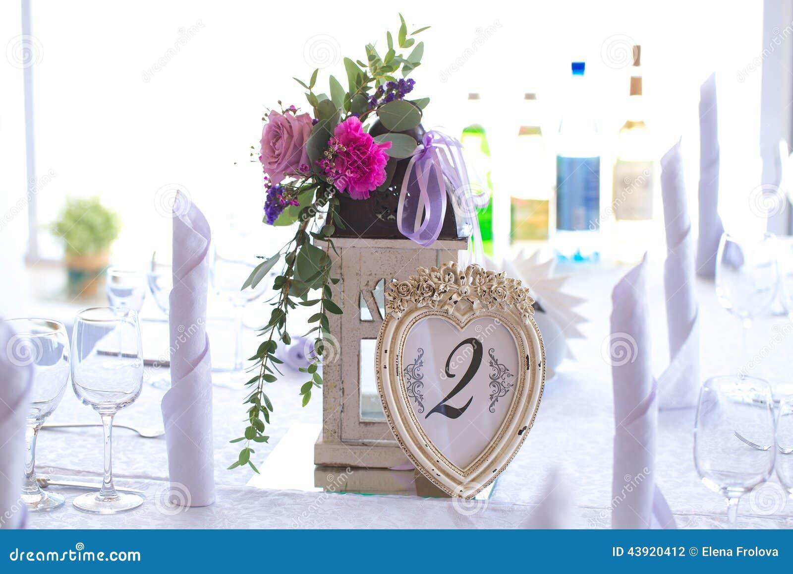 Decorazioni per la tavola di nozze