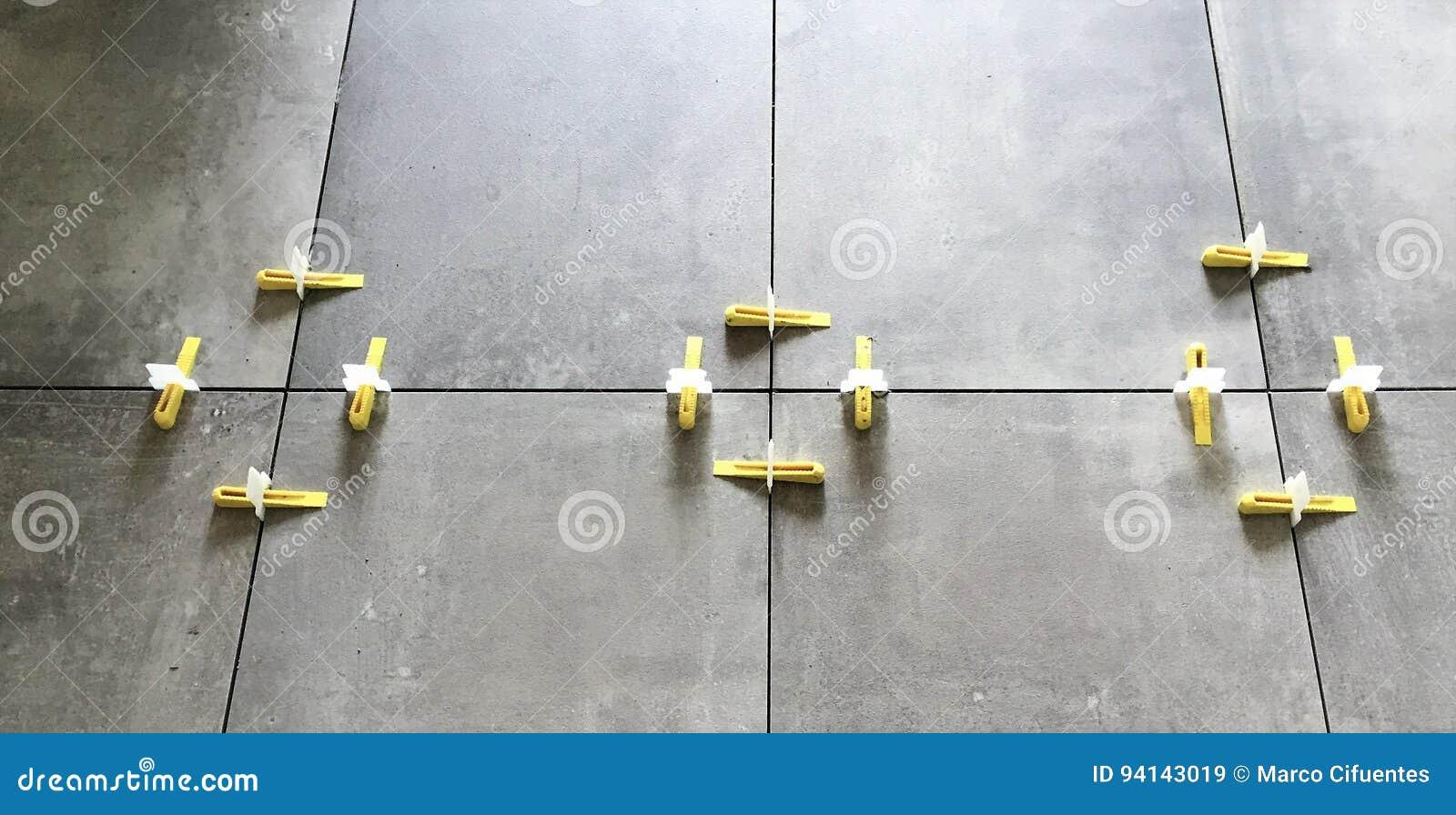 Distanziatore dallineamento delle mattonelle che livella sistema