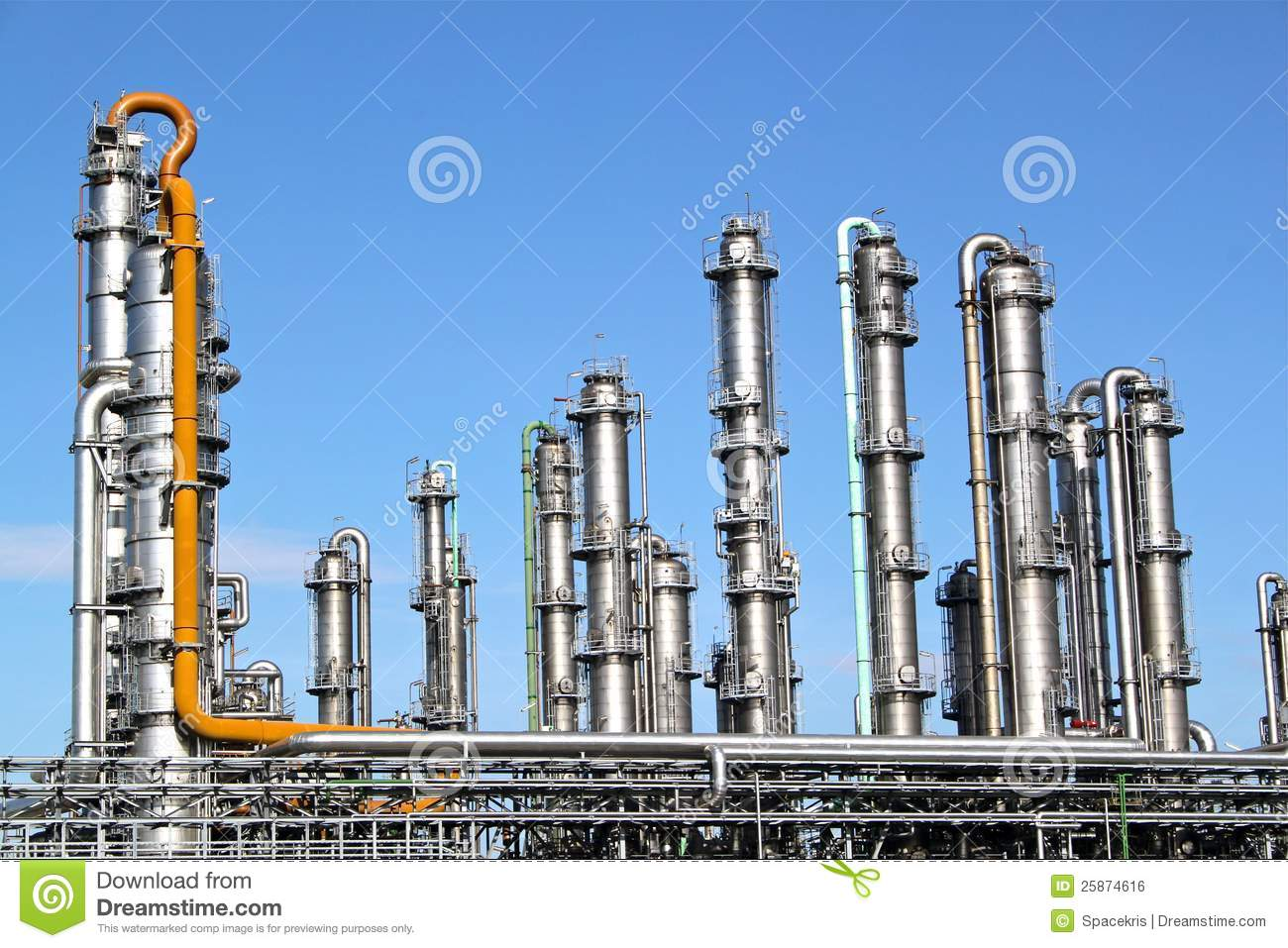 Distillation Towers Royalty Free Stock Image - Image: 25874616