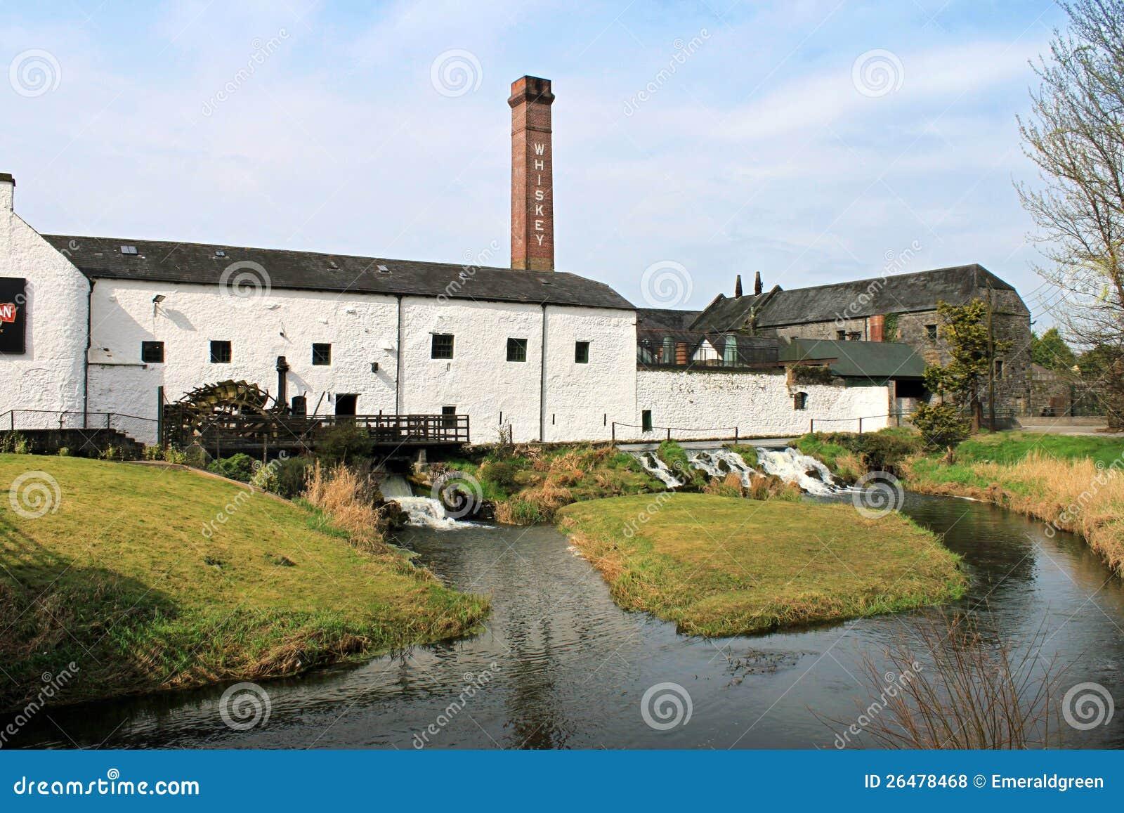 Distillerie chez kilbeggan photos libres de droits image 26478468 - Distillerie a vendre ...