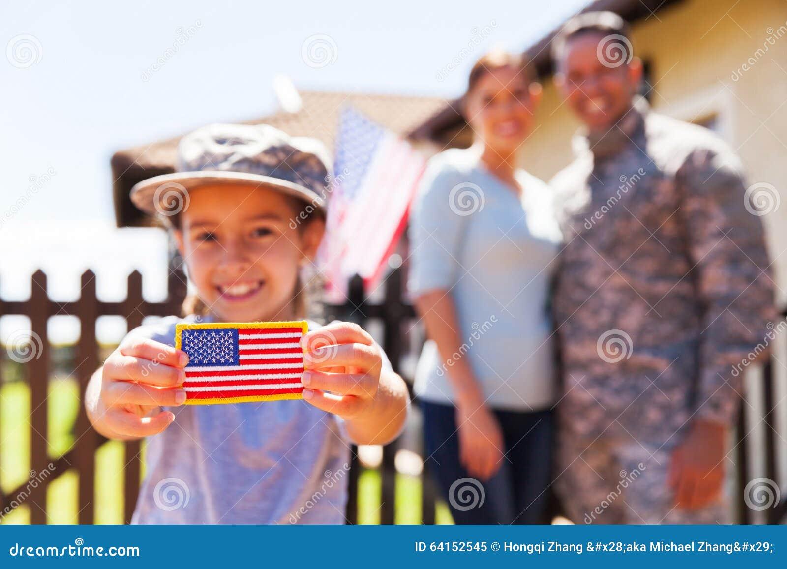 Distintivo della bandiera americana della ragazza