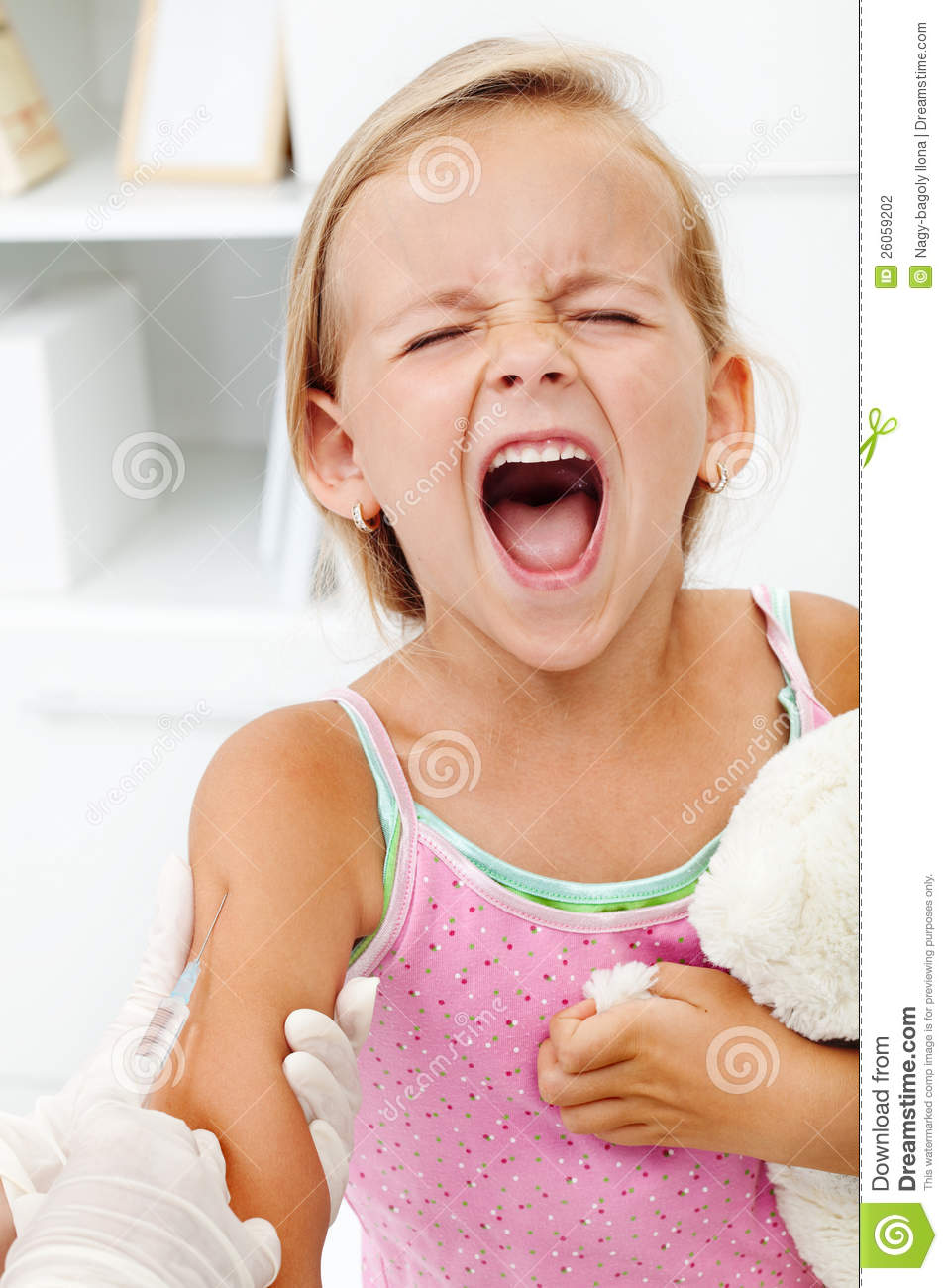 Distressed Little Girl Getting An Injection Stock Photography - Image ...