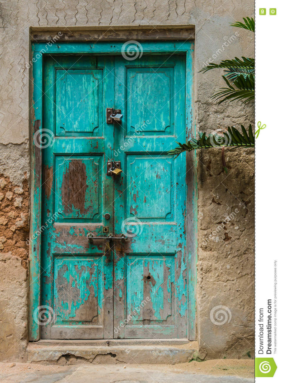 Turquise door turquoise door in trinidad cuba - Decoracion de casas antiguas ...