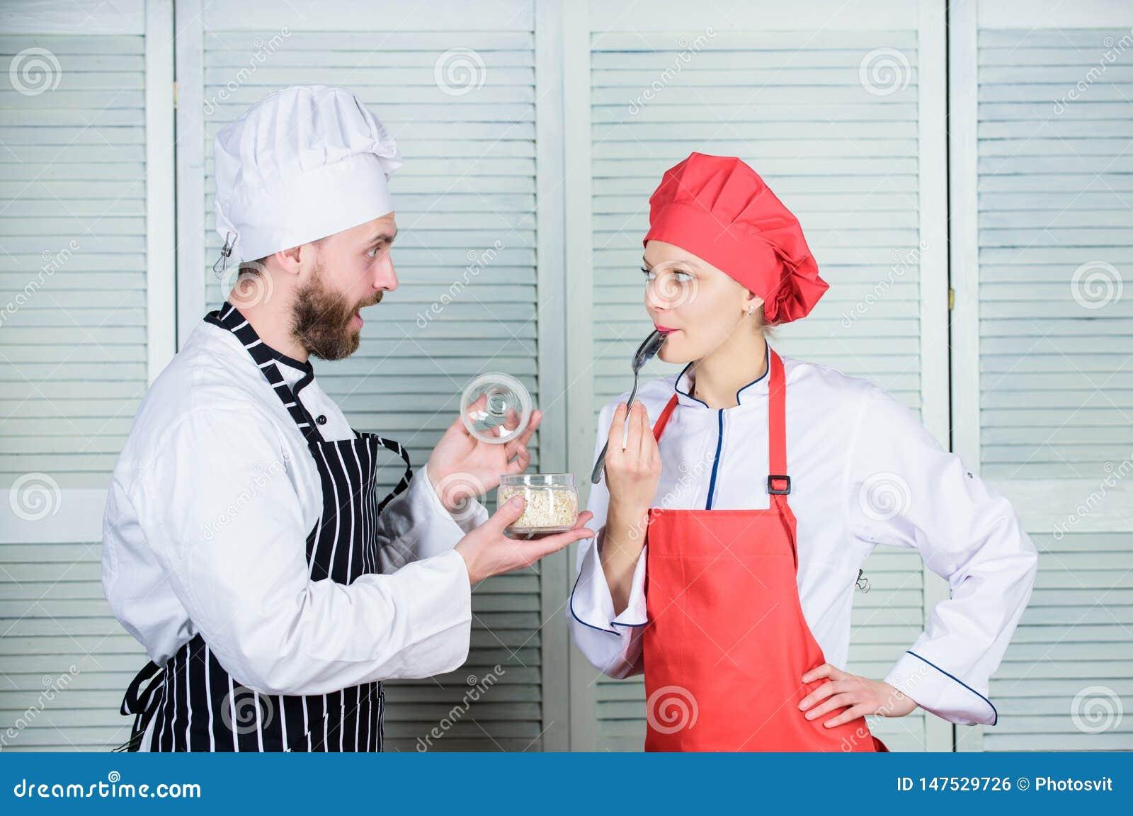 Distribuci?n de buen tiempo Ingrediente secreto por receta Uniforme del cocinero Planeamiento del men? cocina culinaria Familia q
