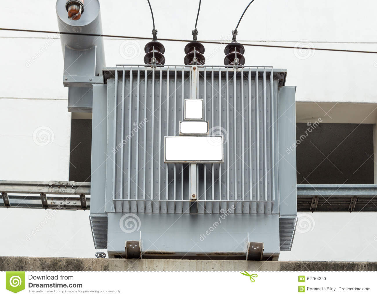 Distribution electrical transformer