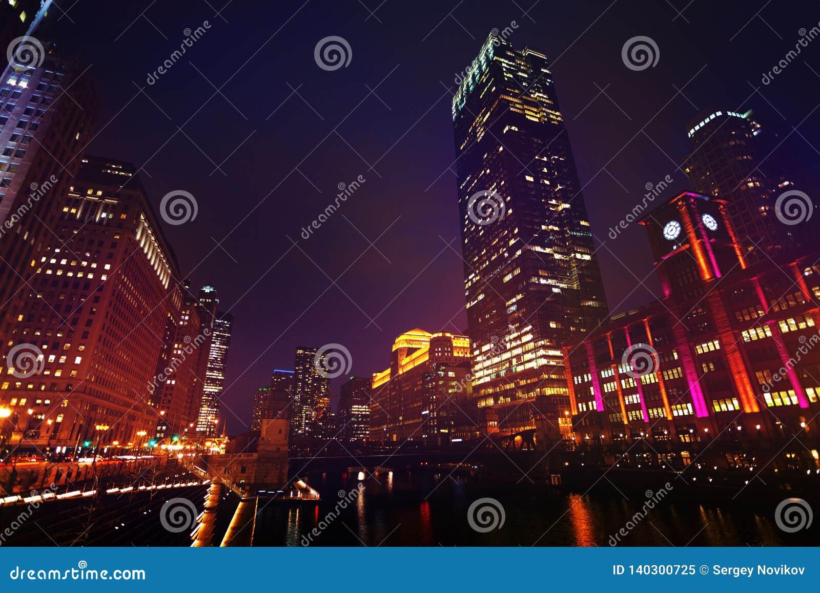 District des affaires de boucle la nuit, Chicago, Etats-Unis