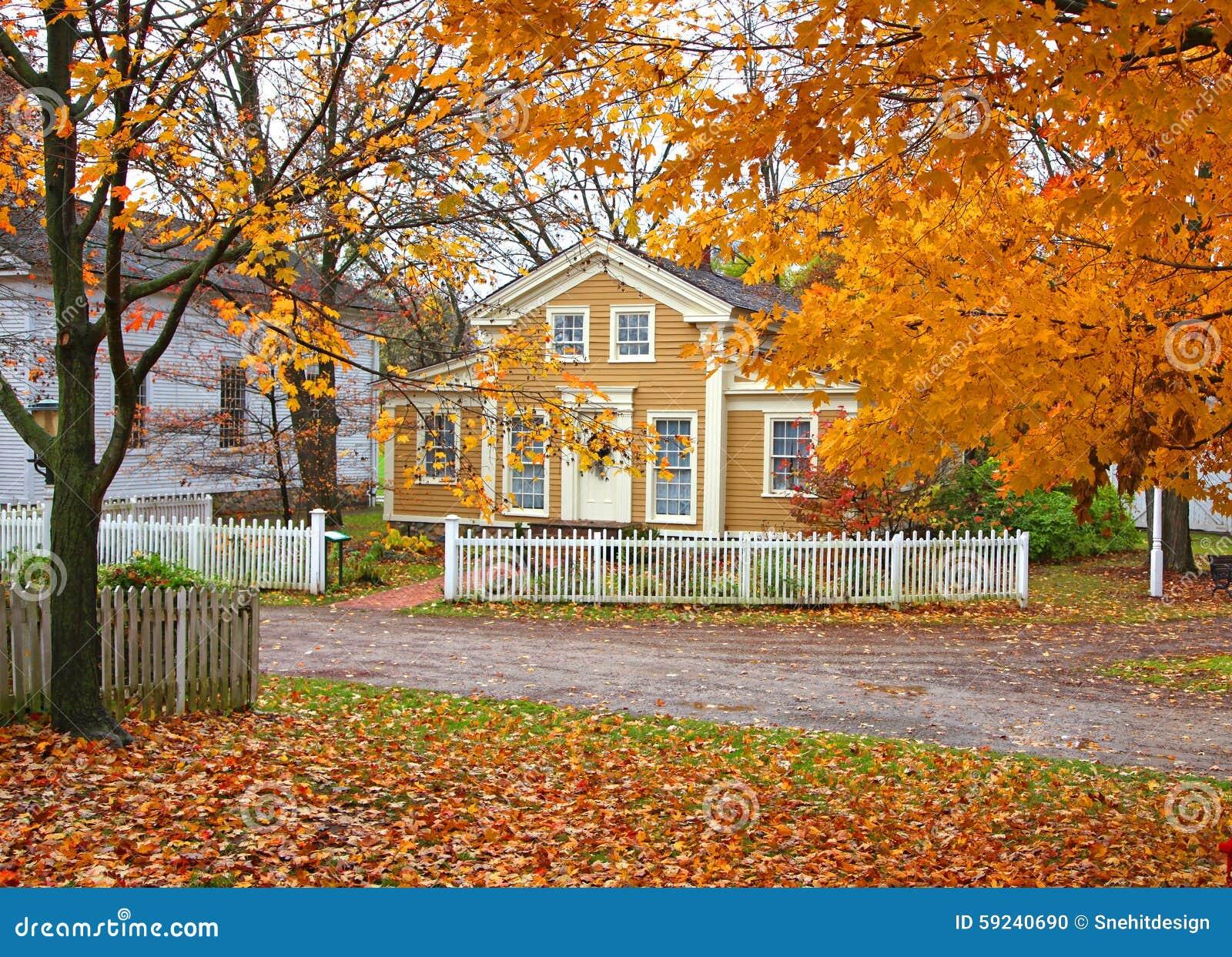 Download Distrito Histórico De La Cala Del Molino Foto de archivo - Imagen de otoño, hojas: 59240690