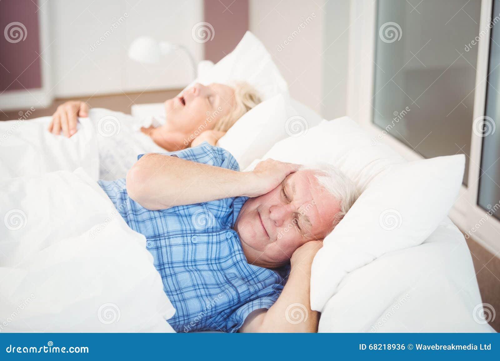 Snoring Man With Wife Cartoon Vector Cartoondealer Com