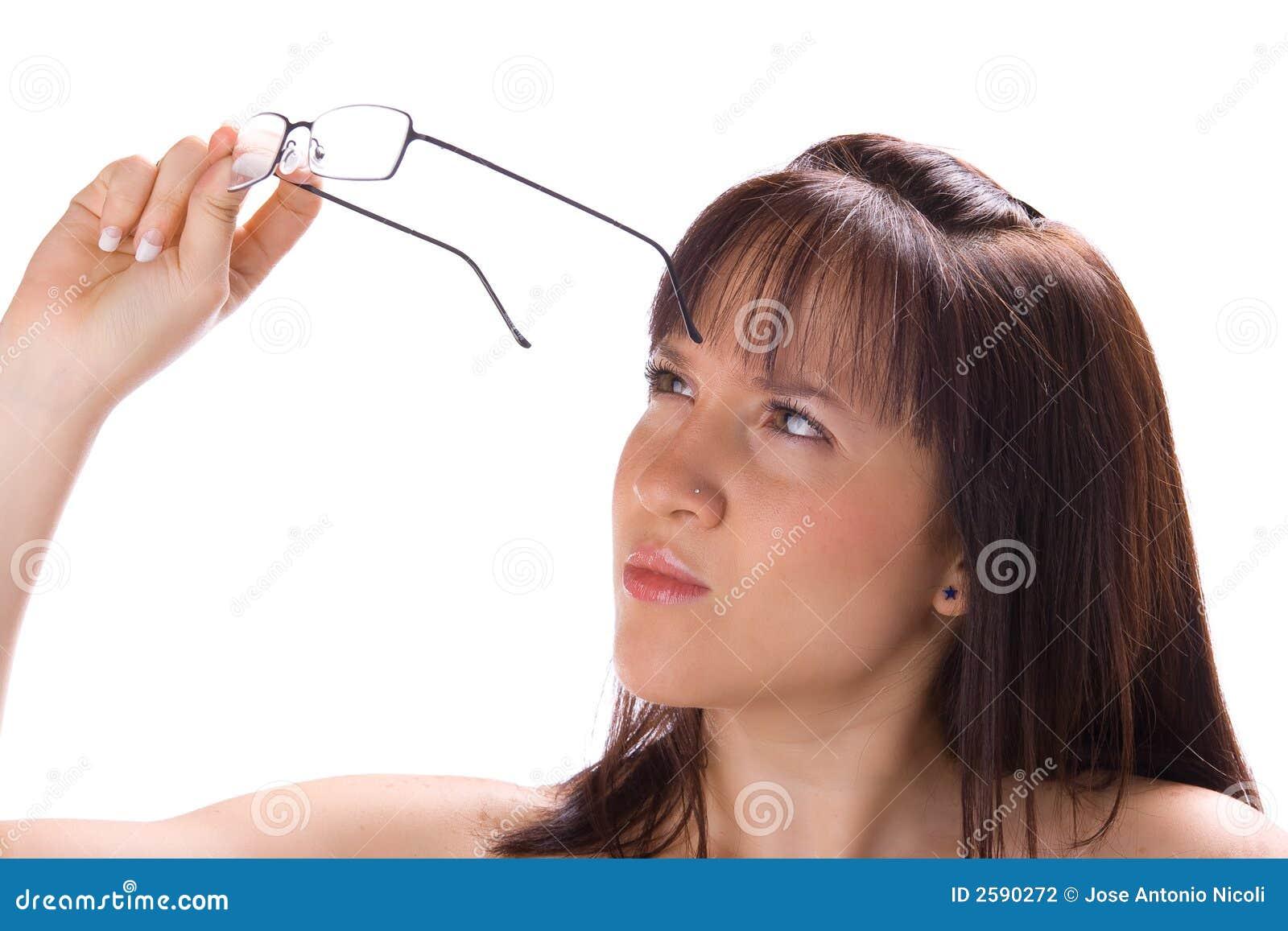 Dit meisje heeft glazen nodig