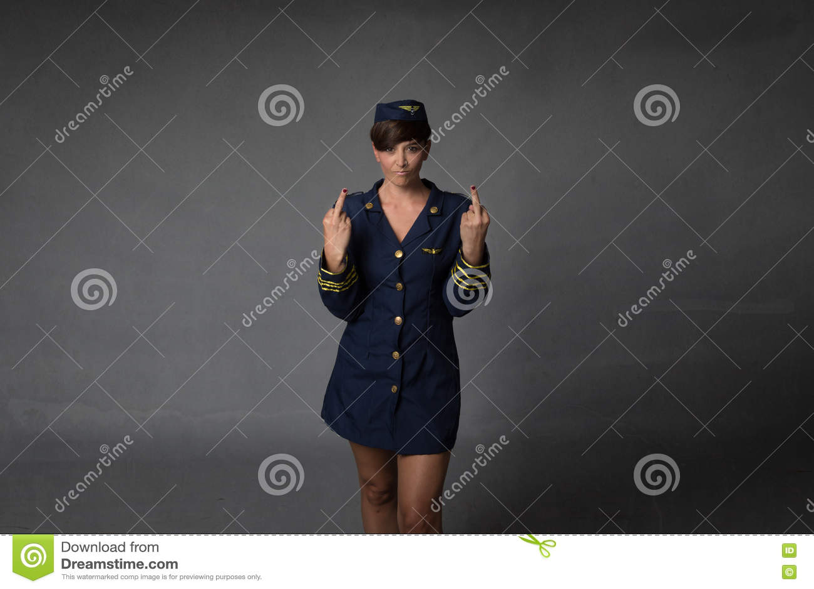 Dito medio maleducato dell assistente di volo