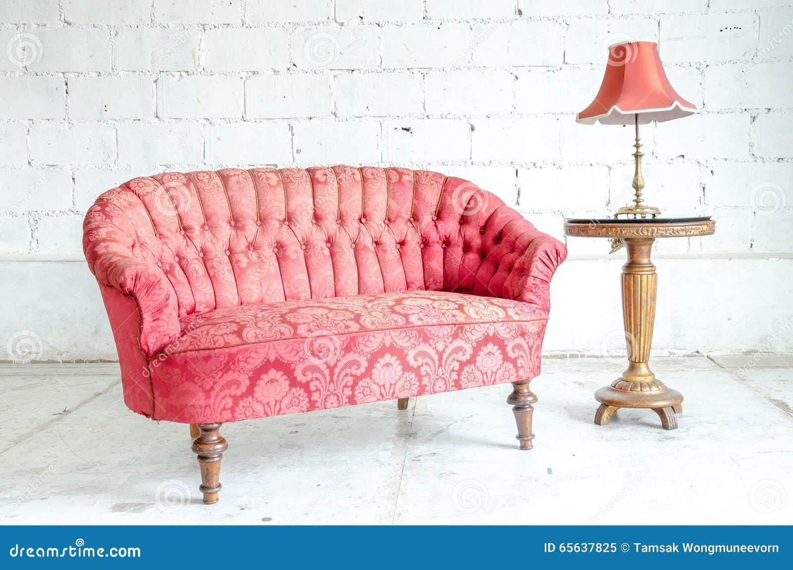 Divan classique rouge de sofa de style