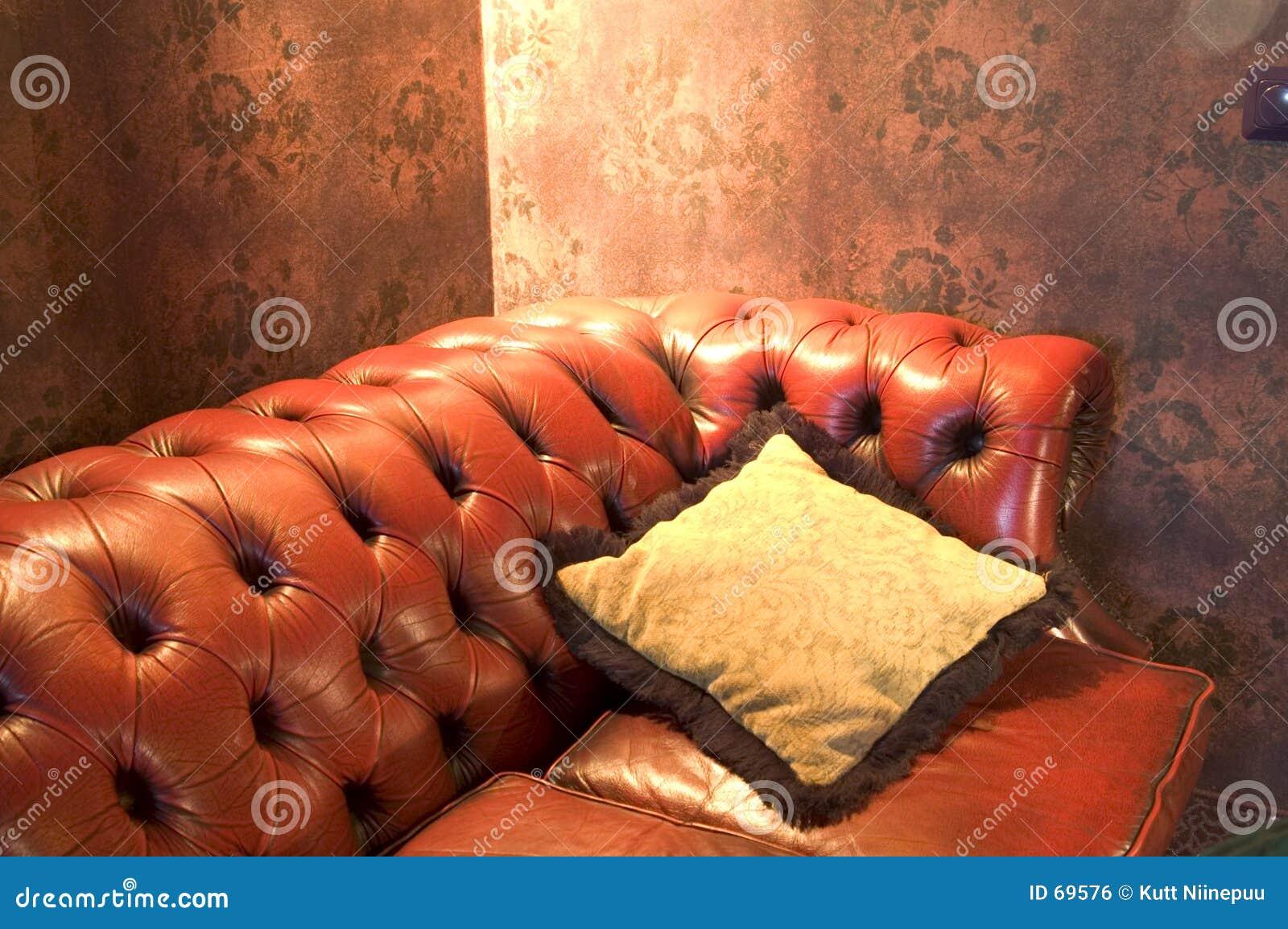 Divan en cuir 3 image libre de droits image 69576 for Divan en cuir