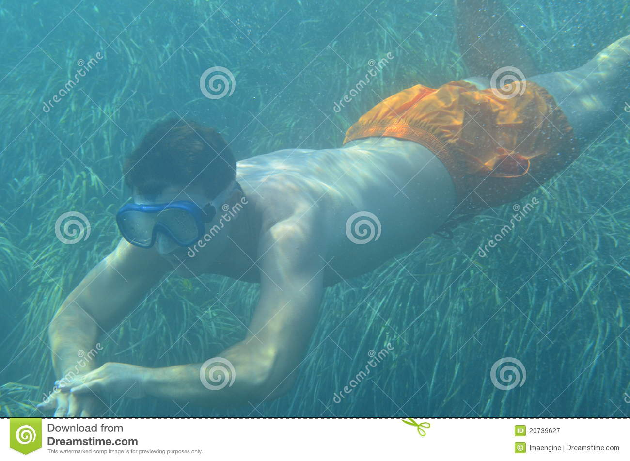 Male underwater images 99