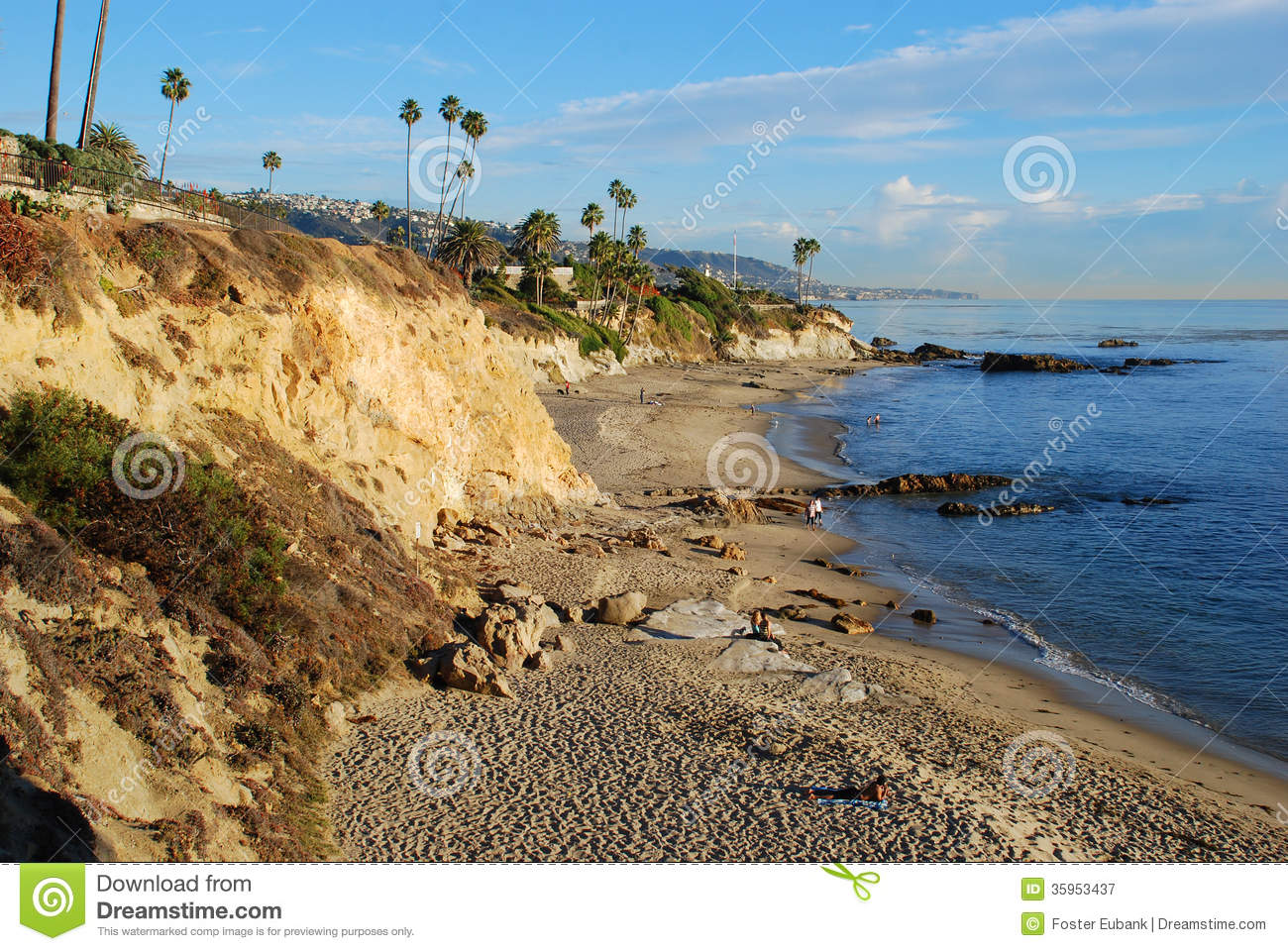 Divers cove beach and heisler park laguna beach for Pretty beaches in california