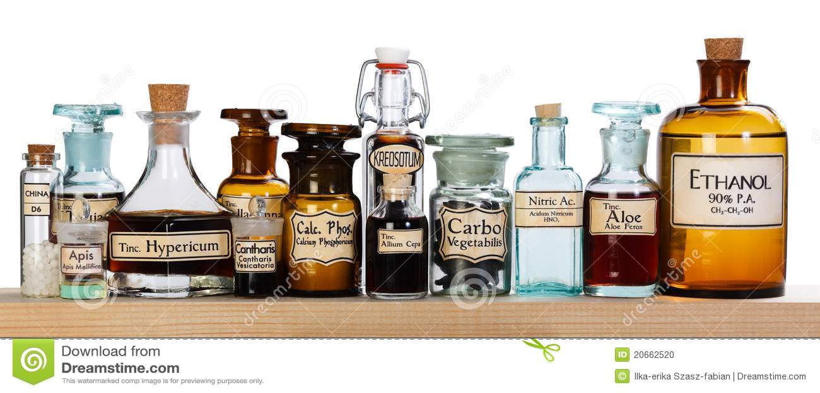 Diverse apotheekflessen homeopathische geneeskunde