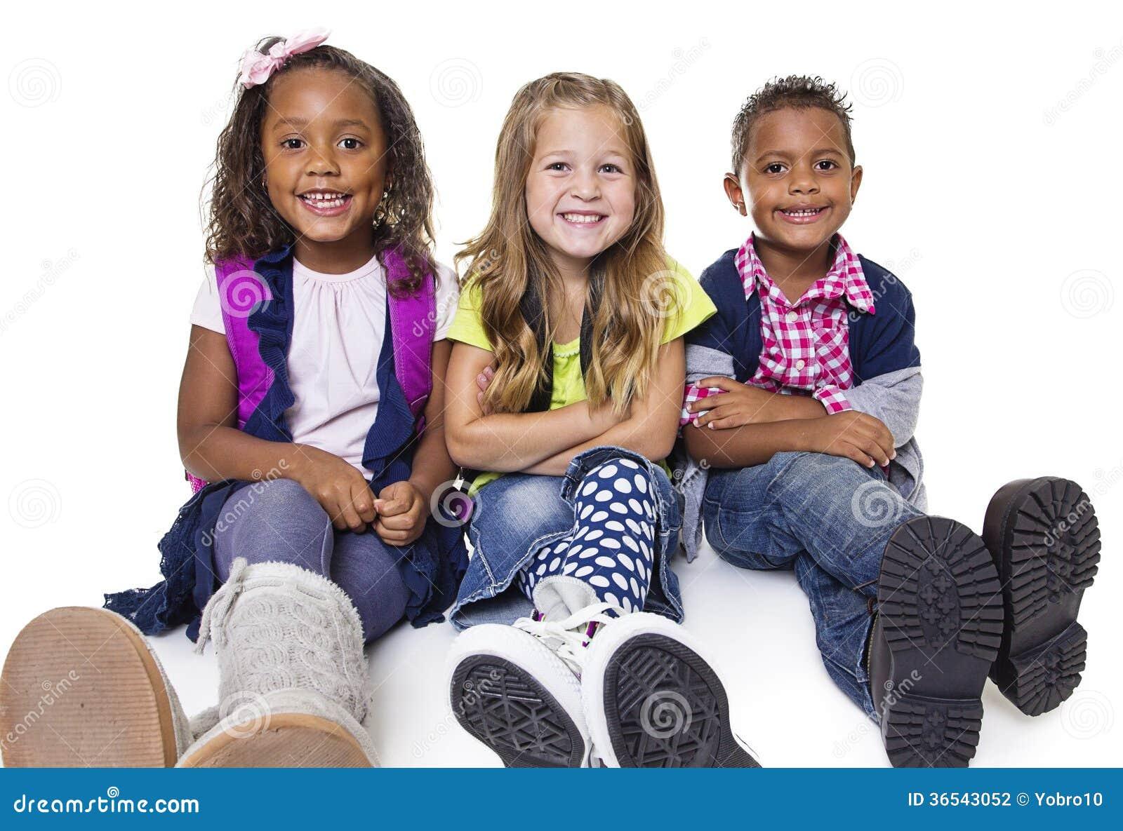 Diverse groep schooljonge geitjes