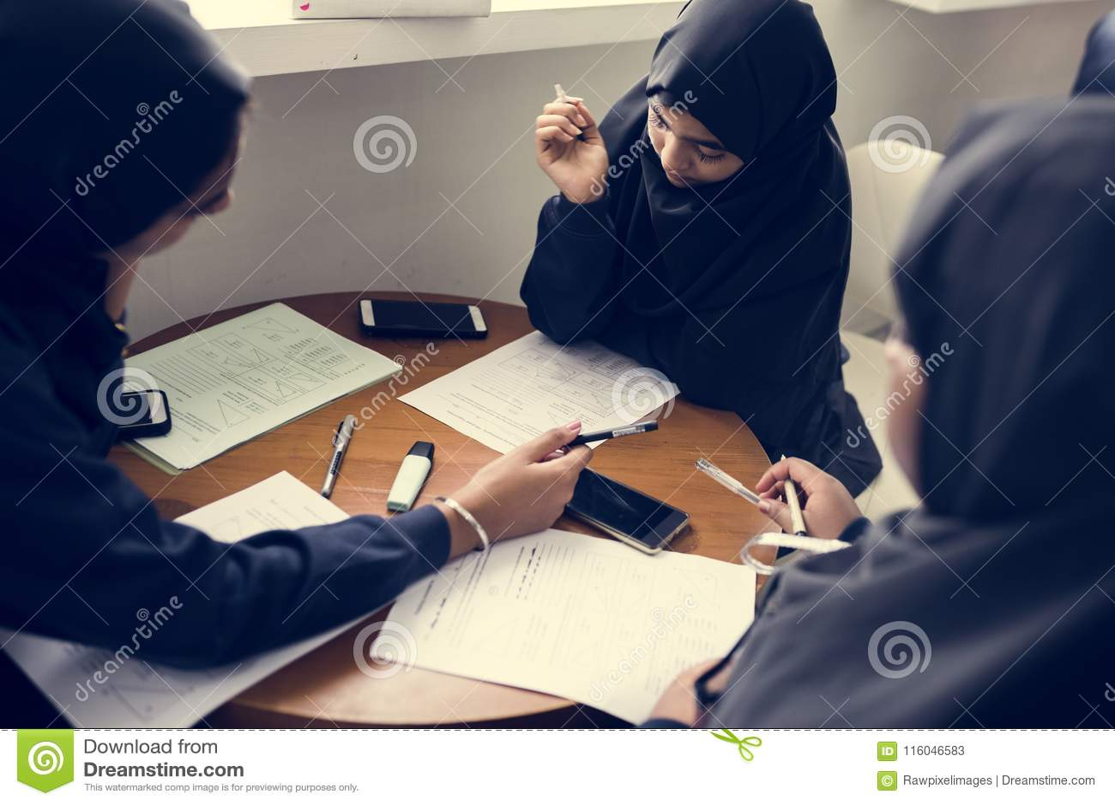 dubai muslim girls