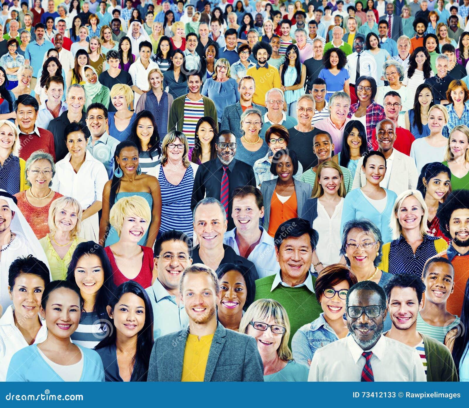 Diversità grande gruppo di persone il concetto multietnico