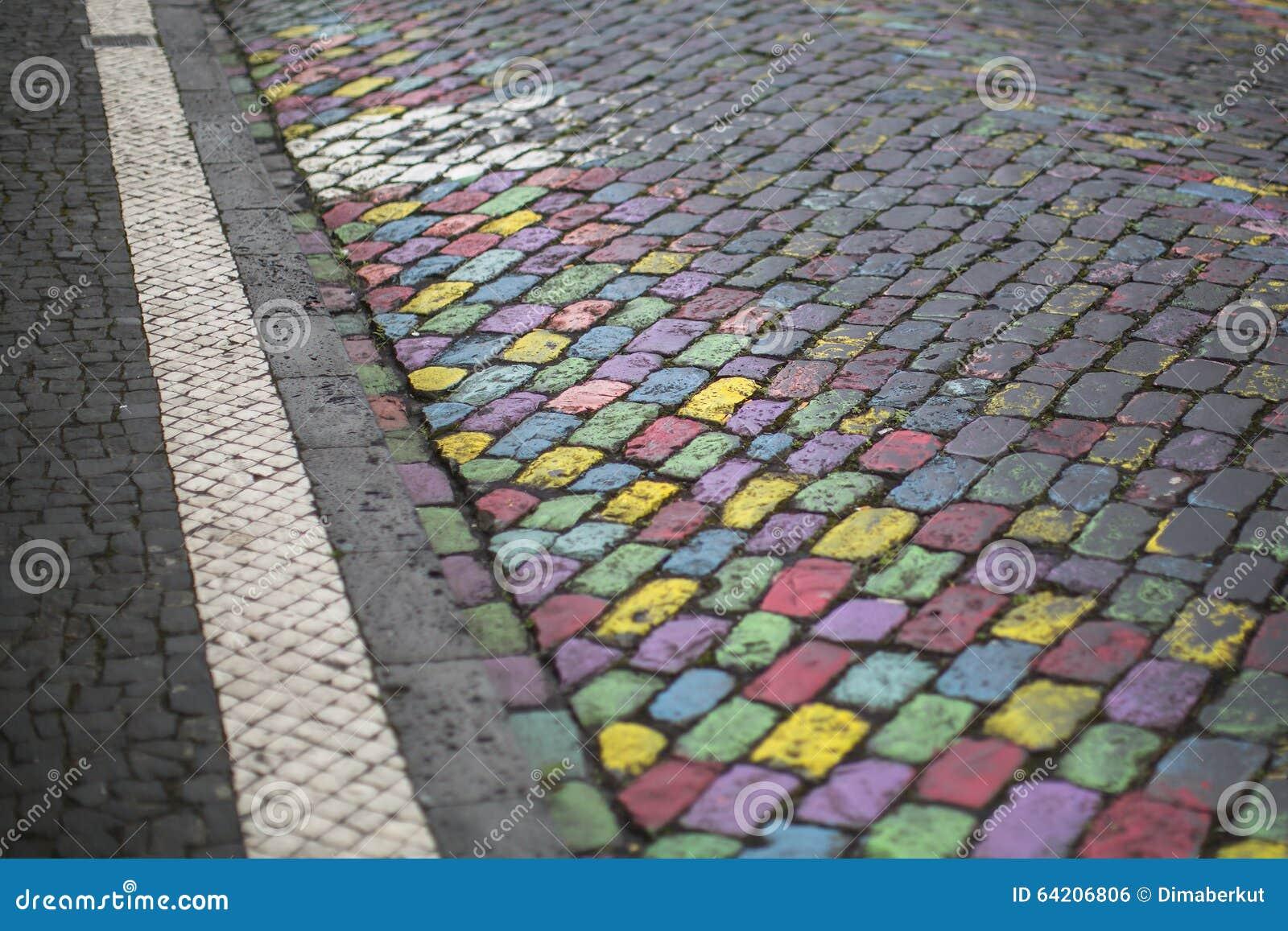 Diversos colores brillantes pintados pavimento de piedra Extracto
