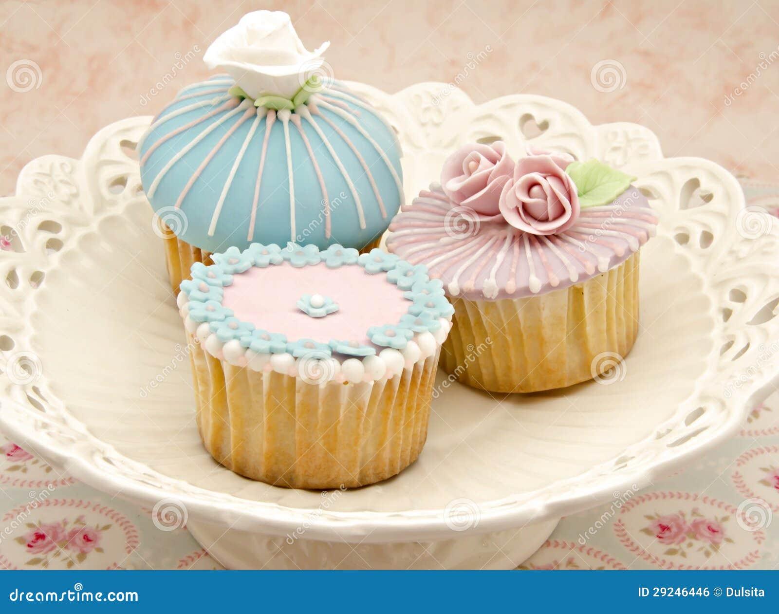 Download Diversos queques foto de stock. Imagem de aniversário - 29246446