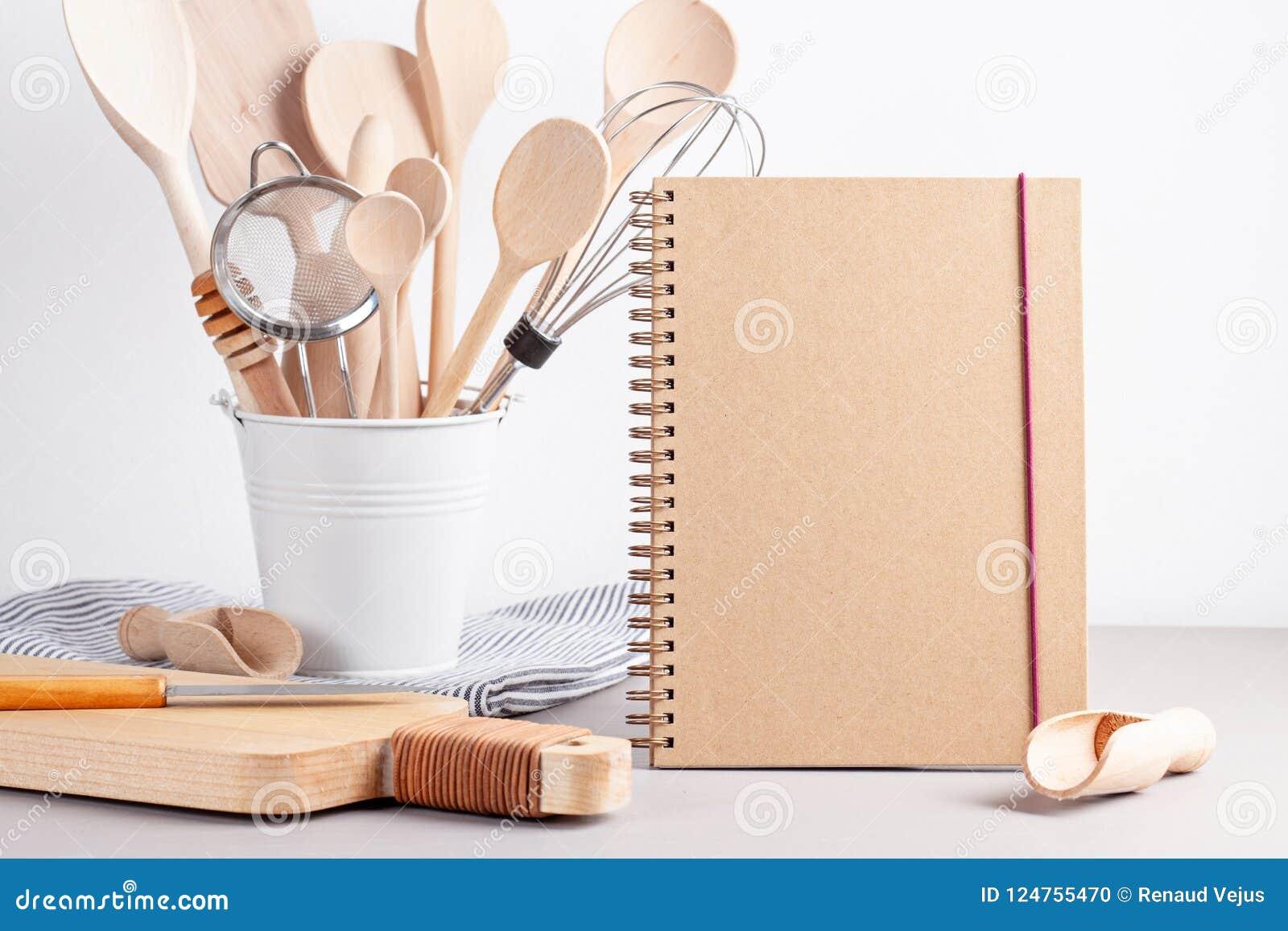 Diversos utensilios de la cocina Libro de cocina de la receta, conce de las clases de cocina