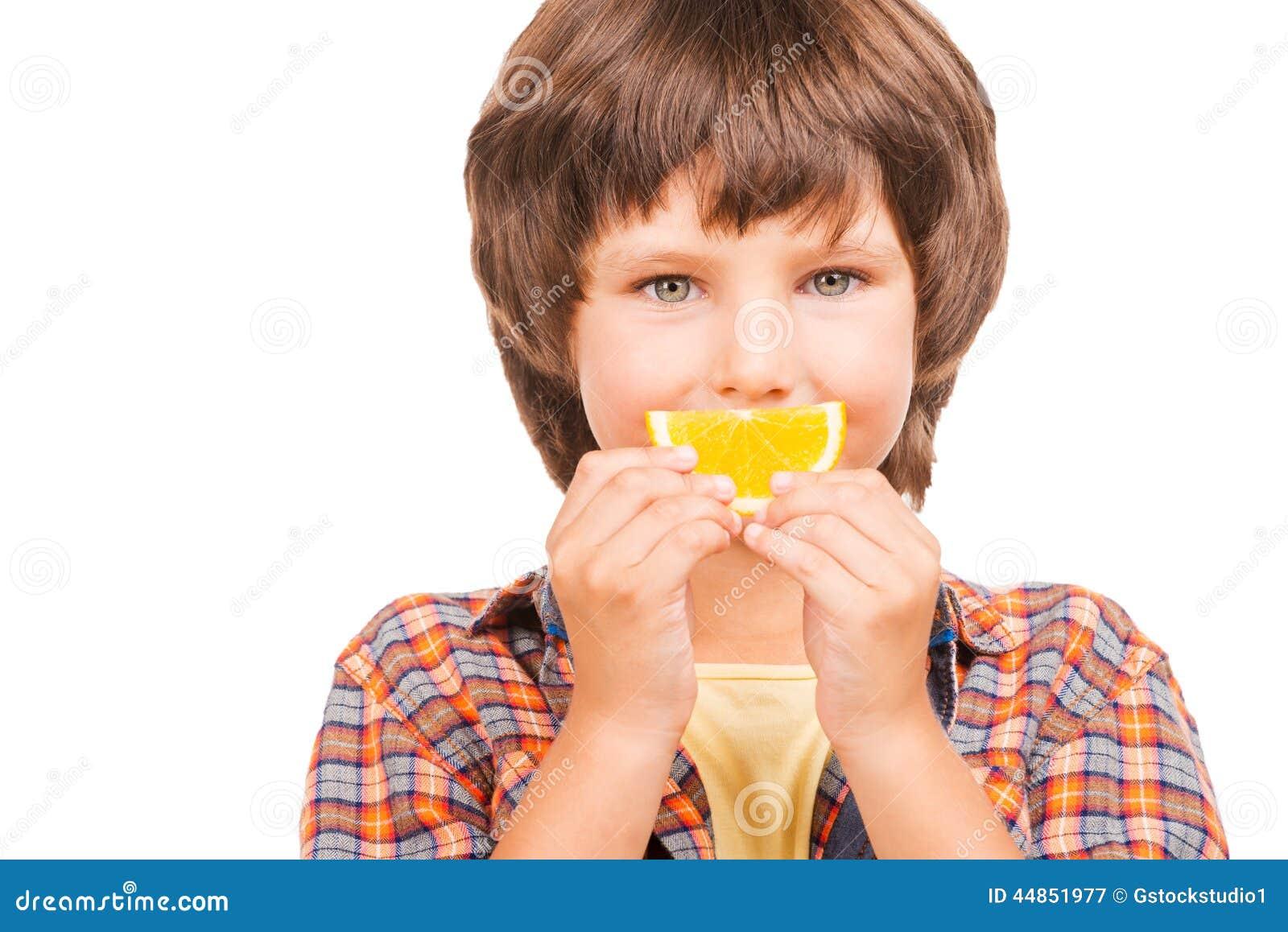 Divertirse con la naranja