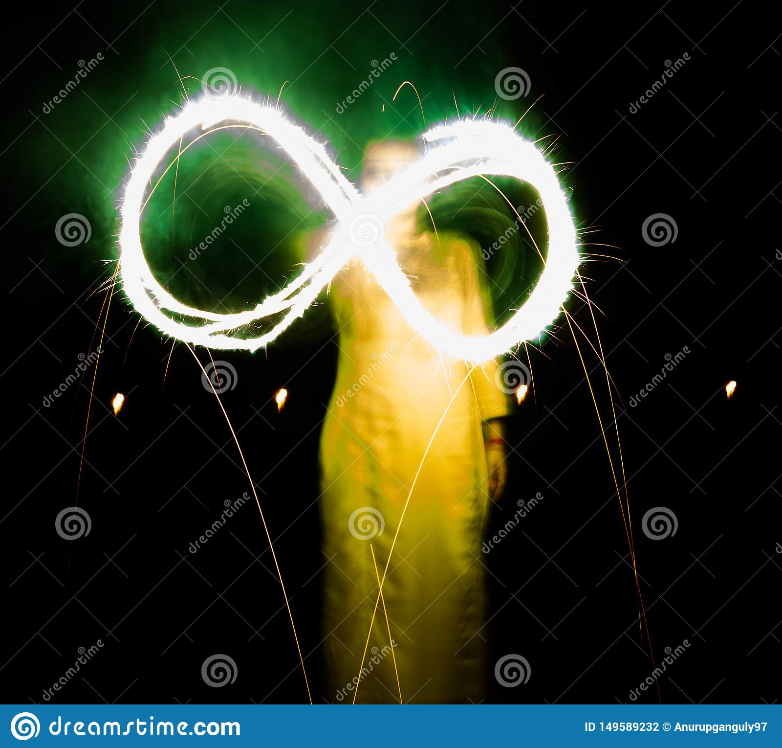 Diwali-Nachtlange Belichtungsphotographie mit Crackern