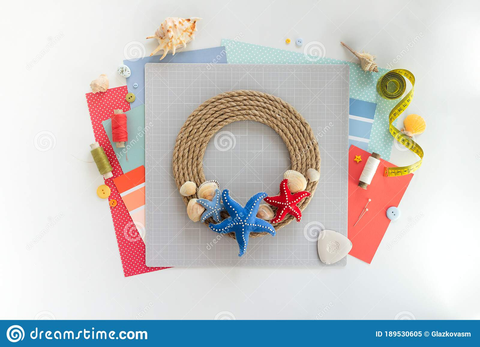 Diy Instruction Step By Step Tutorial Making Summer Decor Wreath Of Rope With Sea Stars Made Of Felt Craft Tools Stock Image Image Of Home Scrapbooking 189530605