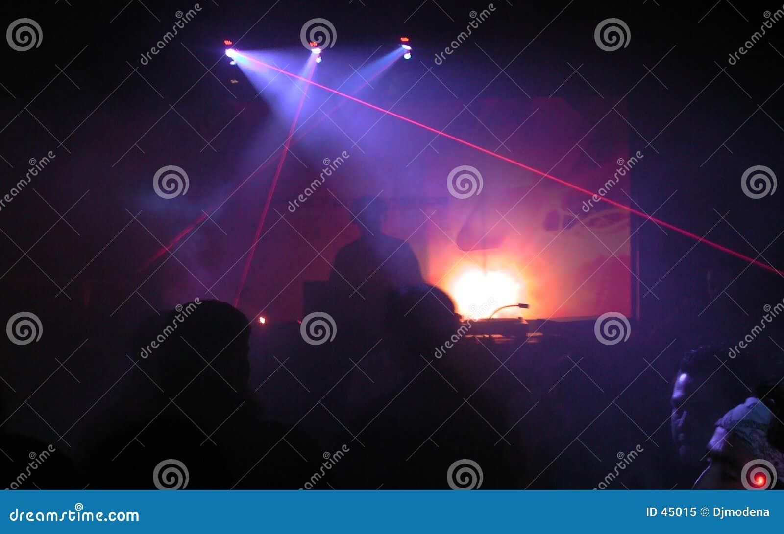 DJ con el laser