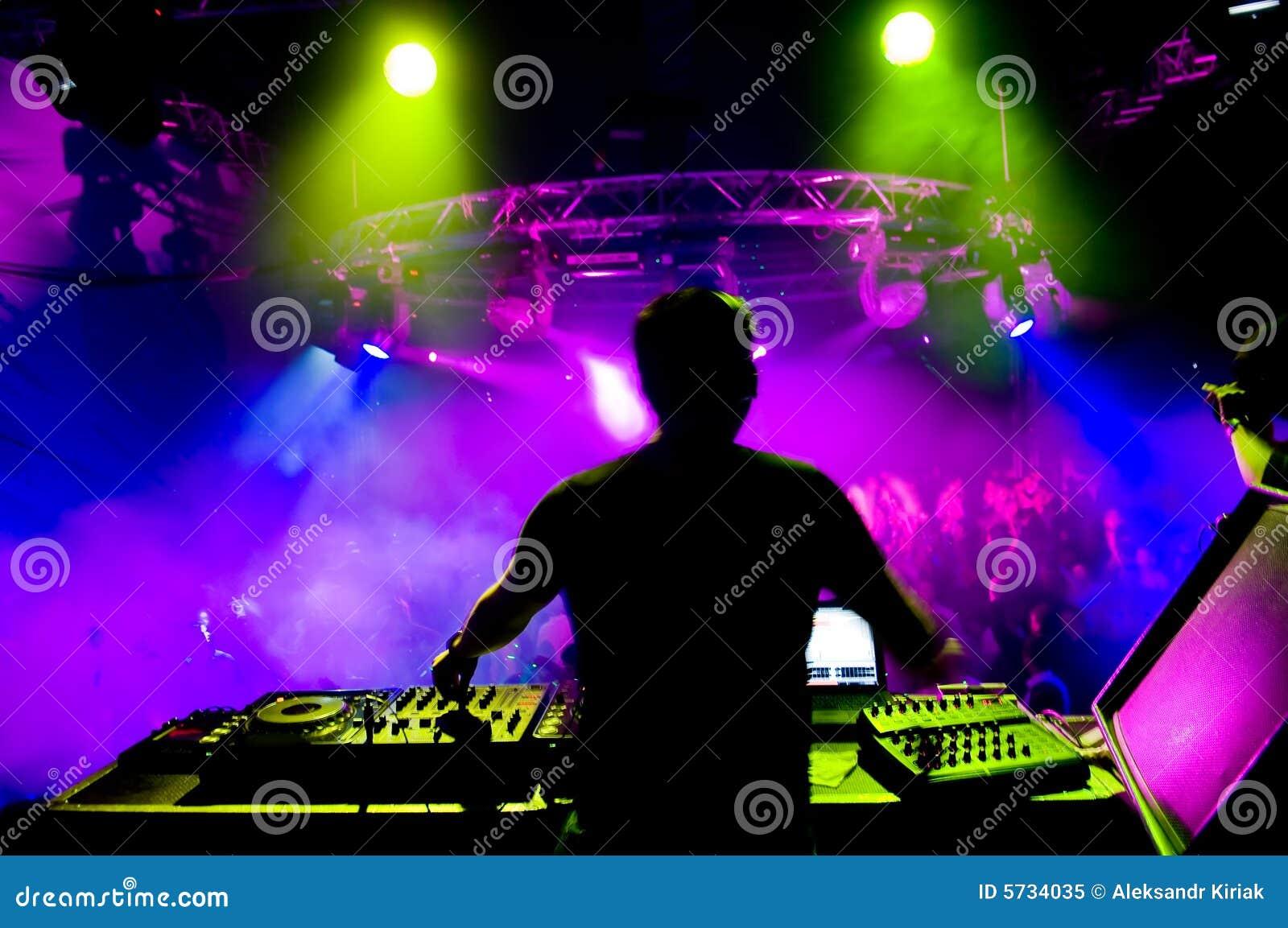 DJ no concerto