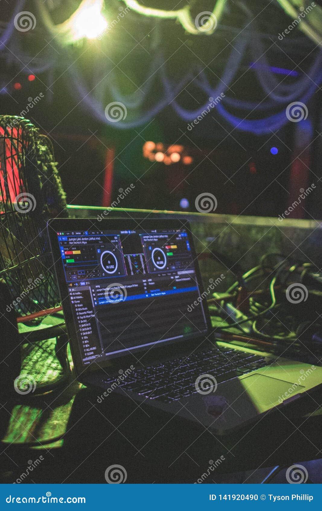 DJ ustawianie od klubu
