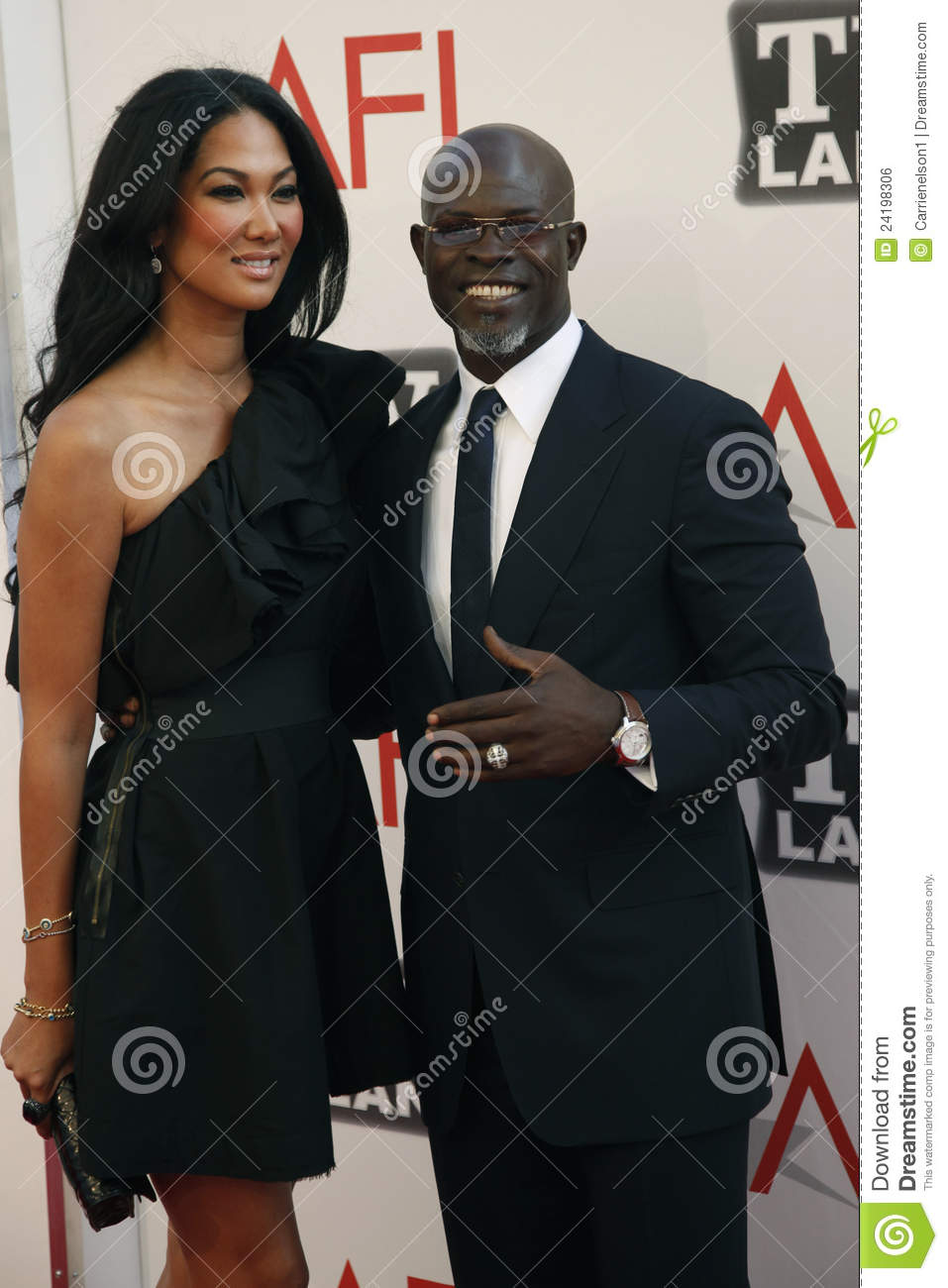 Djimon hounsou and kimora lee simmons apologise
