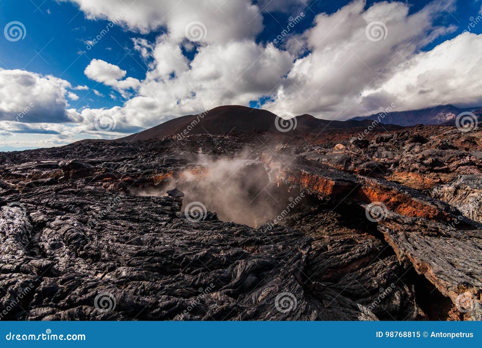 Djupfryst lava av den Tolbachik vulkan, Kamchatka
