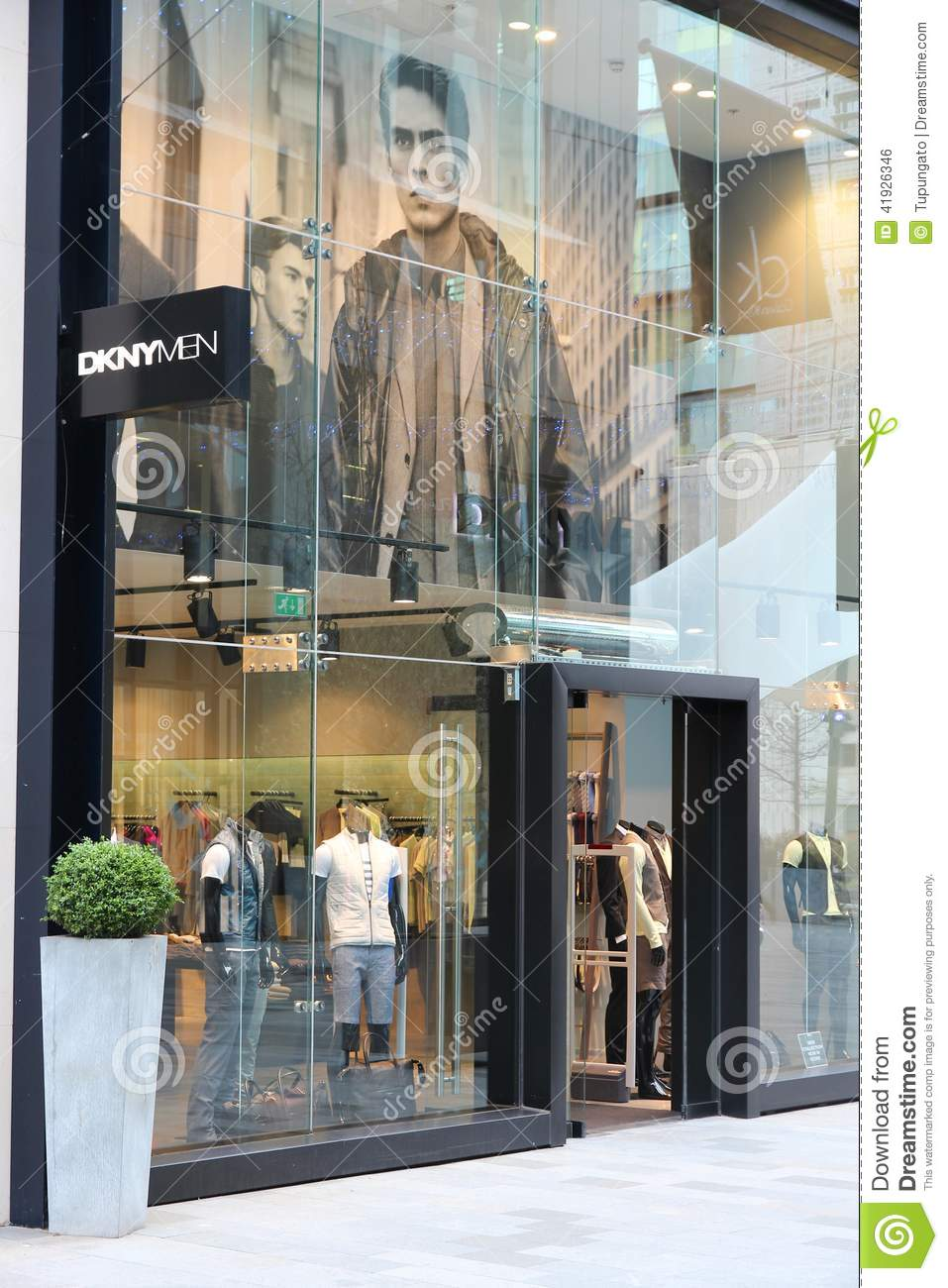 Clothing stores manchester