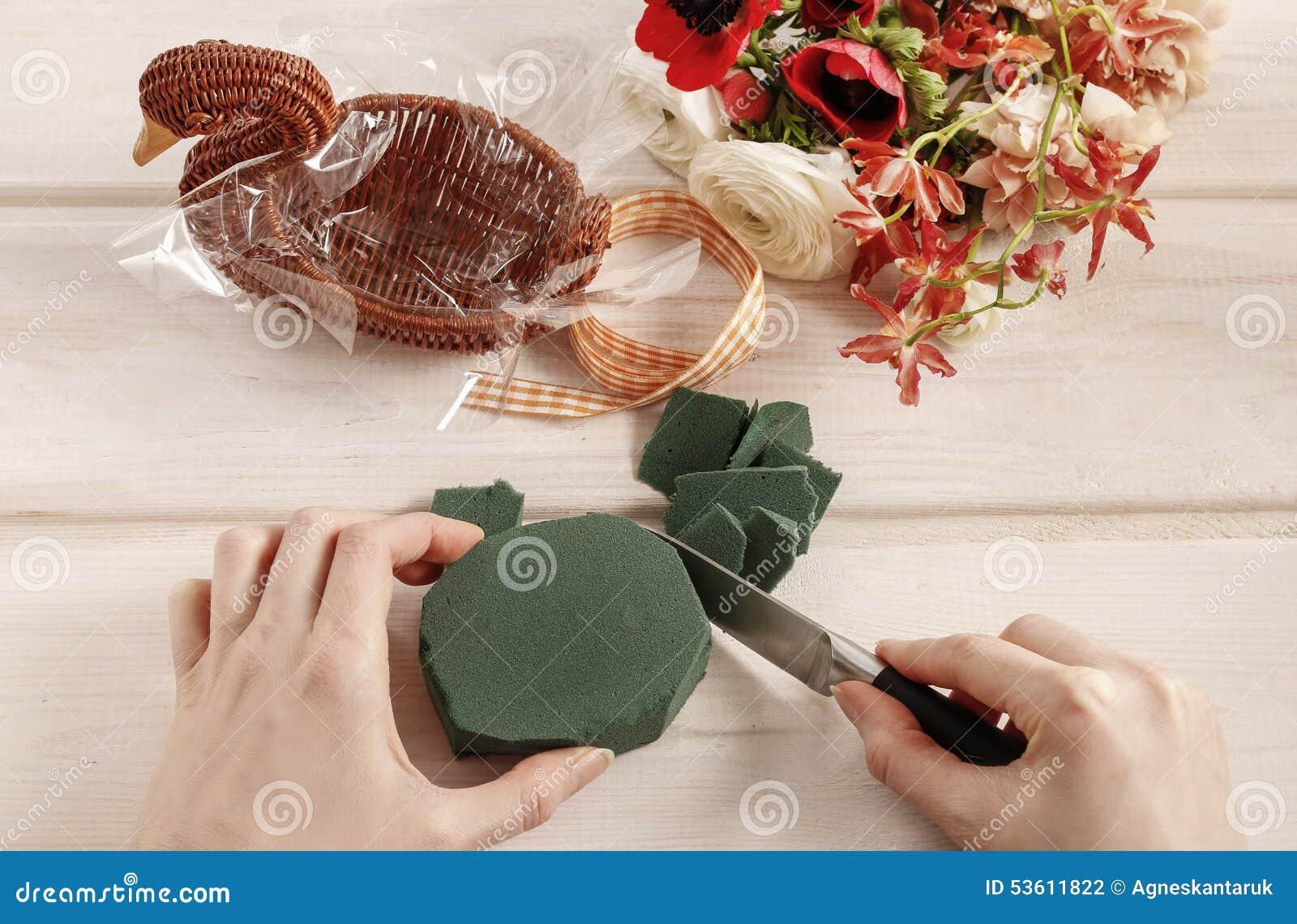 Dlaczego robić bukietowi kwiaty w łozinowej gąsce