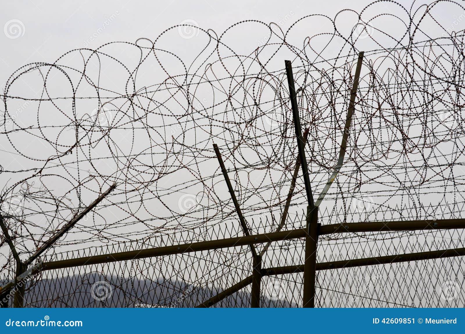DMZ fences