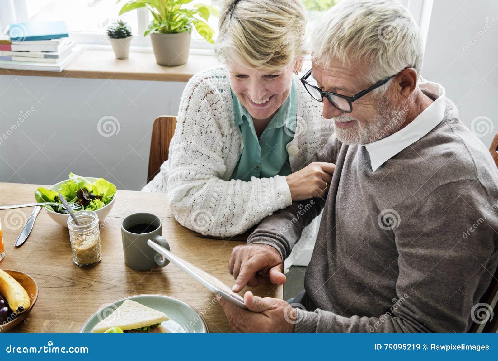 Do estilo de vida superior dos pares da aposentadoria conceito vivo
