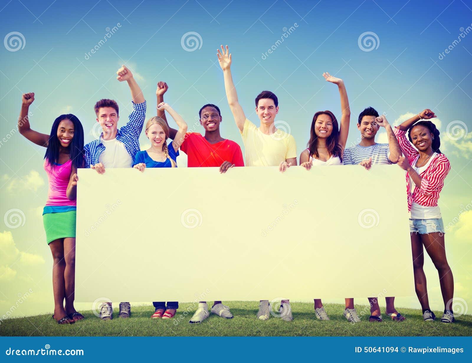 Do grupo dos amigos conceito voluntário do divertimento da cooperação da unidade fora