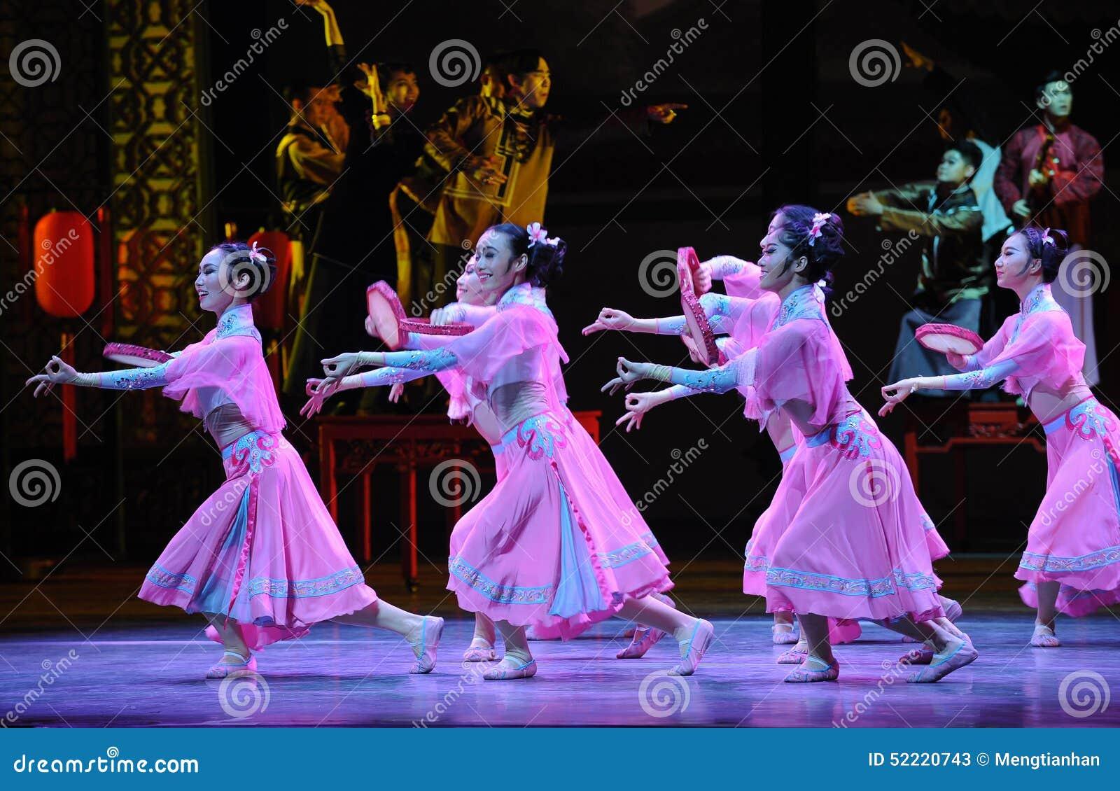 Do pandeiro- ato cor-de-rosa primeiramente de eventos do drama-Shawan da dança do passado
